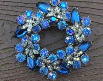 Vintage Jewelry Stunning Blue Stones Wreath Pin Brooch