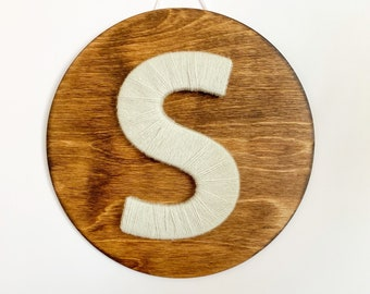 Hospital door hanger / Circle door sign / Simplistic baby gift/ Minimalist nursery / Yarn letter / Wooden sign for baby / Unisex door hanger