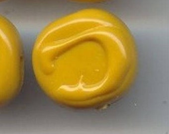 12 Vintage Mustard Yellow Swirl Drizzle Acrylic 17mm. Unique Deco Beads 5757