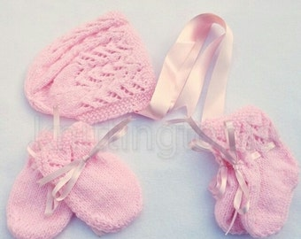 Hand knitted baby lace bonnet booties and mittens set 0 - 3 months pink - knitted baby clothes - baby girl clothing