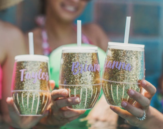 girlfriends weekend gold glitter tumbler glitter tumbler cups girls weekend ideas girls weekend gifts trendy tumblers bridesmaid tumbler
