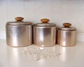 Vintage MIRRO Aluminum Canisters Set Of Three