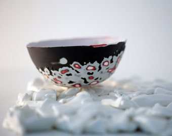 English fine bone china stoneware bowl with a unique textured surface in black and white.