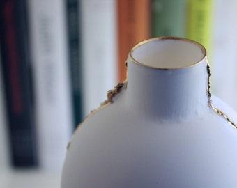 Big Stoneware English fine bone china white bottle with gold trimming