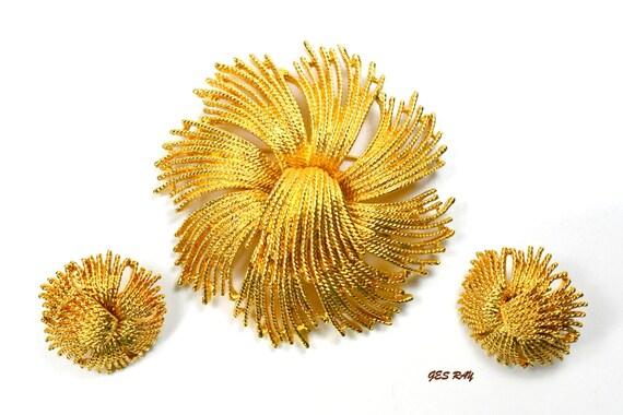 Monet Cordelia Tassel Blossom Brooch & Clip on Ear