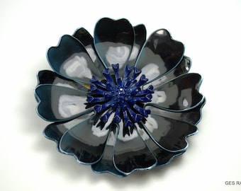 Flower Brooch Pin Resin Fabrice Style