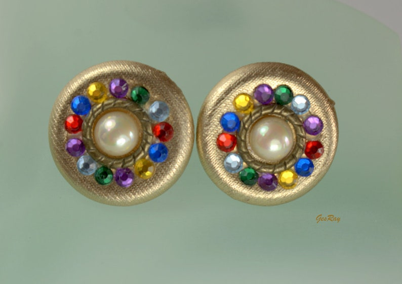 Two Sisters Vintage Clip on Earrings