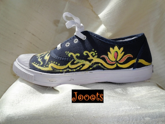 Handpainted women's canvas shoes. Henna design keds. Ethnic indian. Hand painted sneakers. Blue black Yellow Henna. Jooots from Artikrti