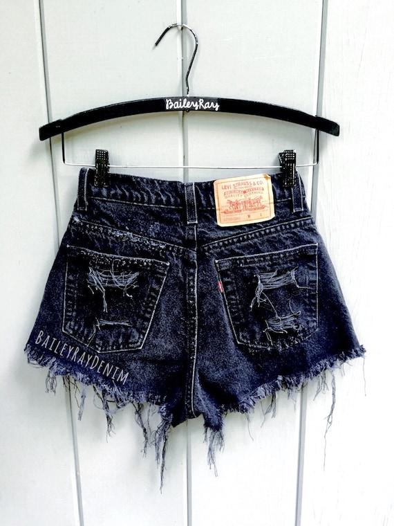 Levis short taille haute en Jean à revers noir enroulé Denim Shorts Jean Uni 70b775d6f7b