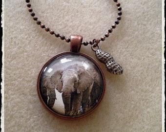 Simple Circle Pendant- Elephant N Lil Peanut