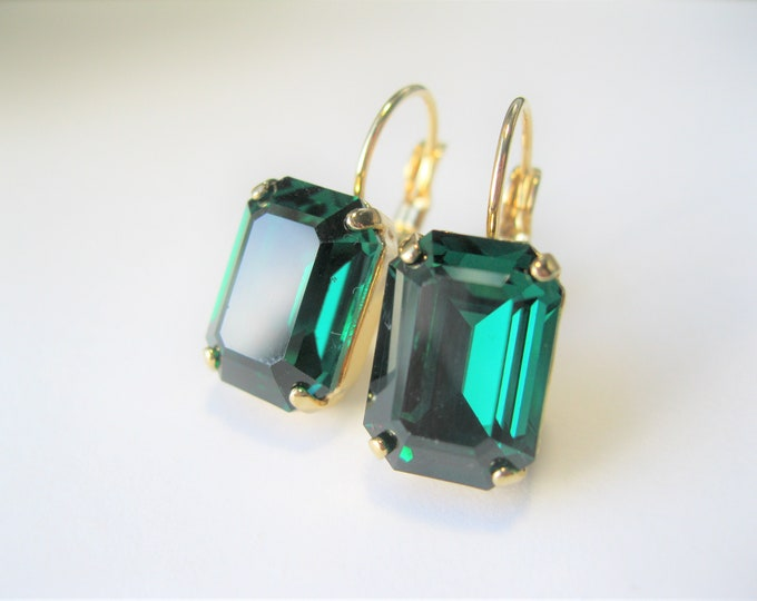 Emerald Green Crystal Earrings Christmas Jewelry Vintage Swarovski Crystals Vintage Art Deco Style Rhinestone Leverback Choose your Metal