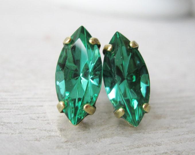 Light Emerald Crystal Stud Earrings Green Bridesmaid Jewelry Spring Wedding Vintage Style Old Hollywood Glam Navette Swarovski Elements