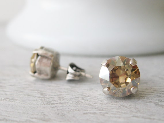 Champagne Stud Earrings Light Topaz Post Earrings Swarovski Elements Crystal Golden Shadow Bridesmaid Jewelry Champagne Wedding Classic Stud