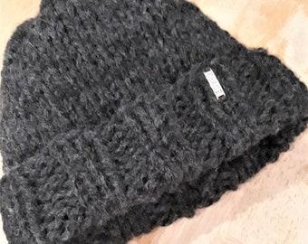 fba67c6bd35 Knit peace hat