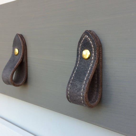 Loop pull, vintage gray, leather