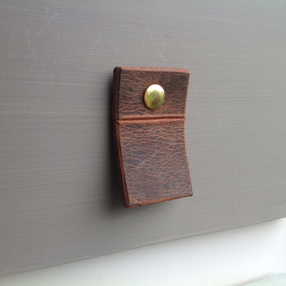 Vintage Brown, leather pull tab