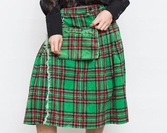 Vintage Corduroy Tartan Scottish Skirt Kilt with Pouch / Ladies plaid wrap skirt / Large Size Checkered Midi Skirt