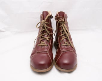 fa7dbc6676526 Vintage Flat Lace Up Boots, EU 41 / US 10 / UK 8, Retro Ankle Boots,  Reddish Suede Shoes, Fire Brick Red Chukka Boots