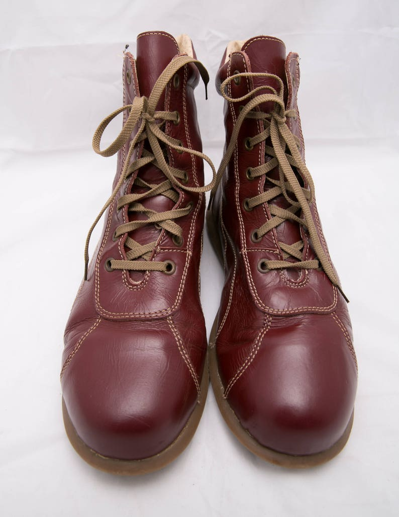 Reddish Suede Shoes Vintage Flat Lace Up Boots EU 41  US 10  UK 8 Fire Brick Red Chukka Boots Retro Ankle Boots