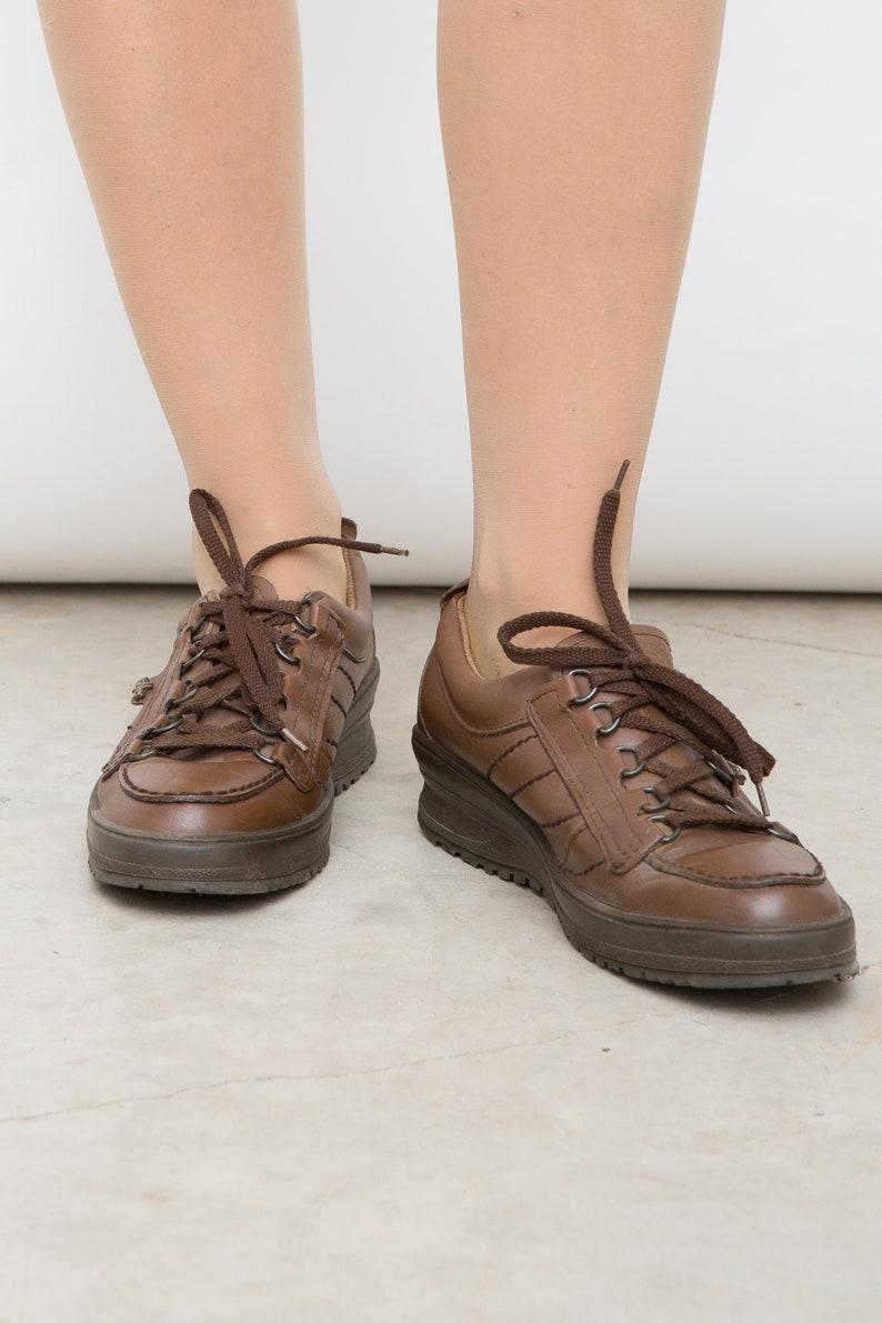 27cc536929 Vintage Brown Oxfords Women Lace Ups Brown Lace Shoes   Etsy