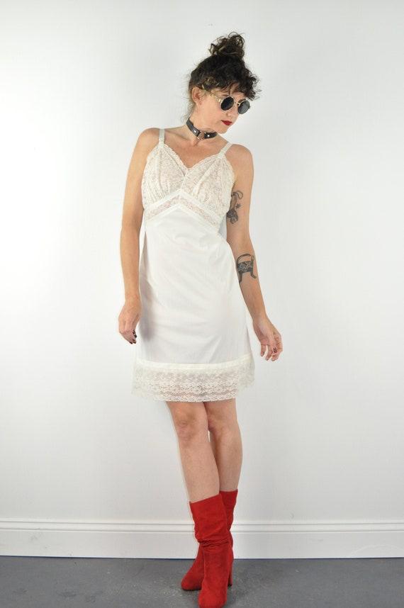 70s White Lace Slip - Medium | Vintage Sexy White