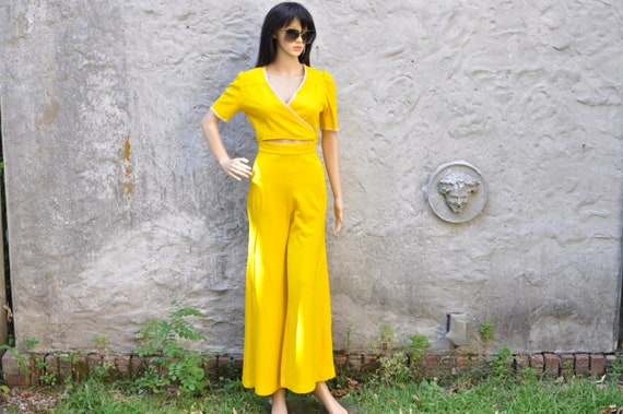 60s 70s Yellow Pant Suit XS - image 1