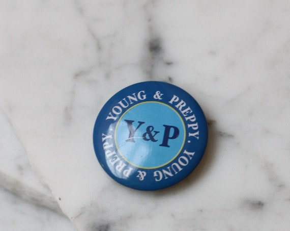 1970s Young and Preppy button // 1970s blue button // vintage button