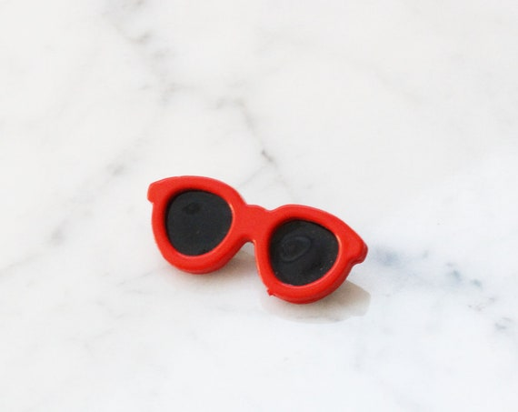 1960s red sunglasses brooch // 1960s sunglasses pin // vintage sunglasses