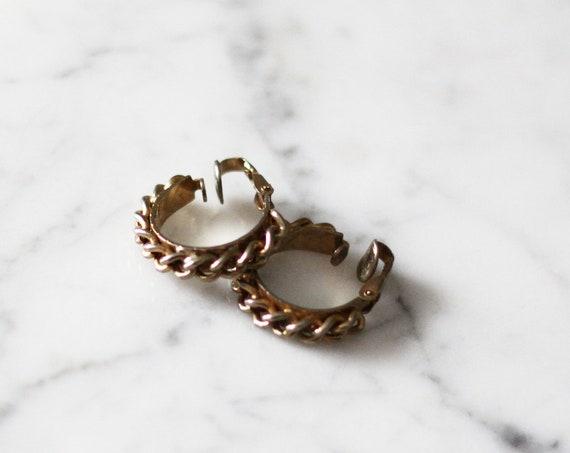 1980s chain hoop earrings // 1980s gold hoop earrings // vintage earrings