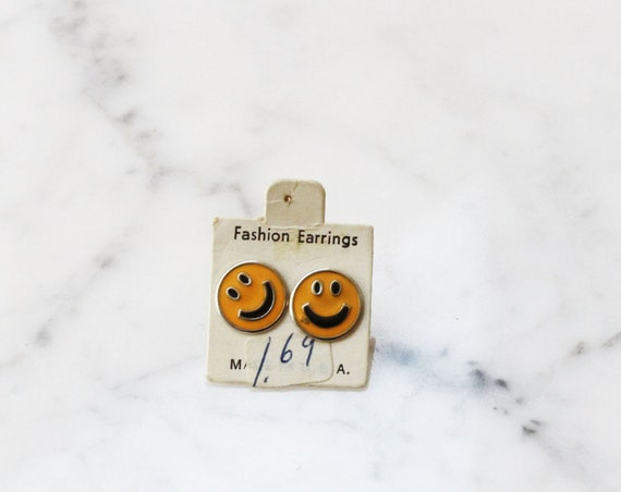 1970s happy face earrings // 1970s yellow earrings // vintage earrings