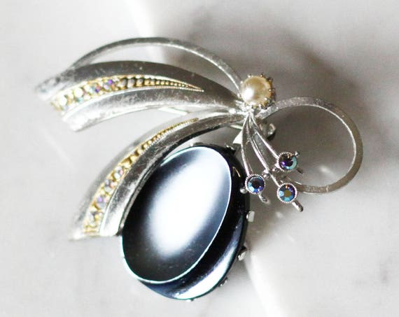 1980s blue silver loop brooch // 1980s silver bow pin // vintage brooch