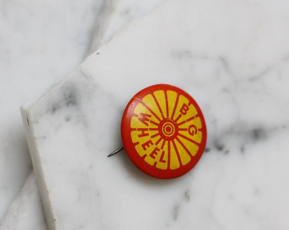 1960s big wheel button // 1960s button // vintage button
