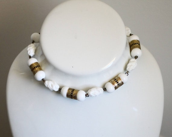 1960s white stone necklace // 1960s gold white choker // vintage necklace