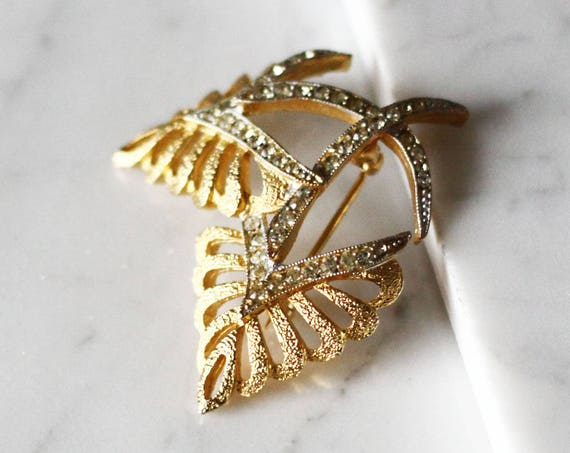 1960s gold leaf brooch // Corocraft brooch // vintage brooch