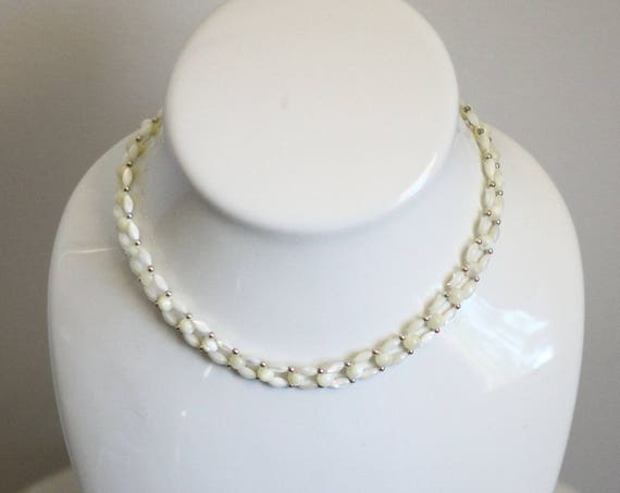 1970s white bead necklace // 1970s ladder necklace // vintage jewlery