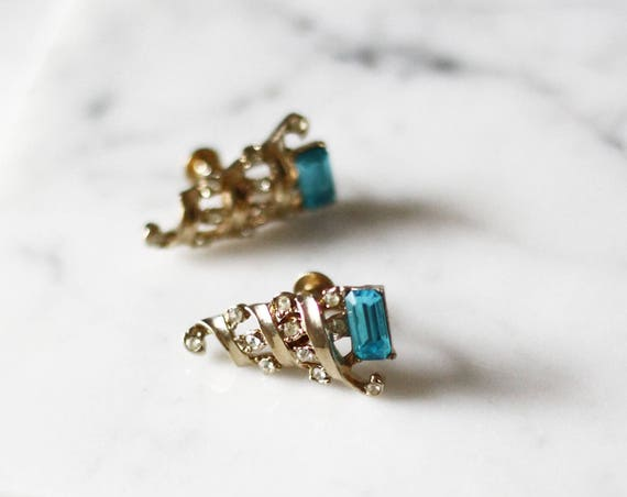 1960s gold cone earrings // 1960s blue gemstone earrings // vintage earrings
