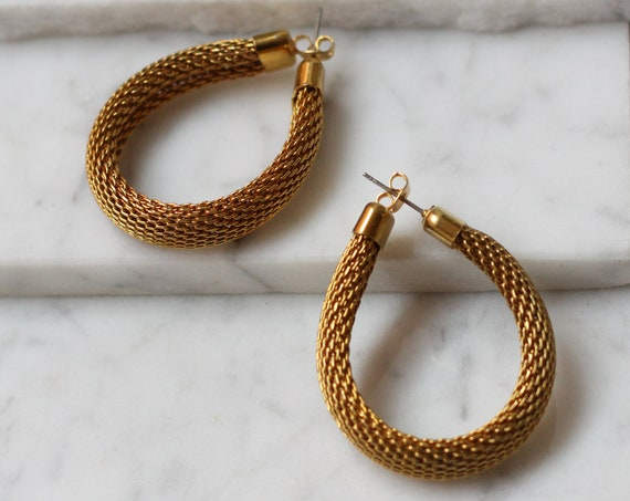 1980s gold mesh hoop earrings // 1980s flexible hoop earrings // vintage earrings
