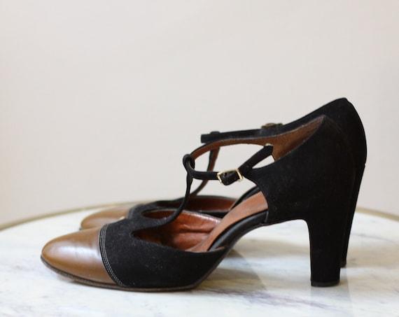 1960s t-strap shoes // 1960s t-strap high heels// vintage shoes