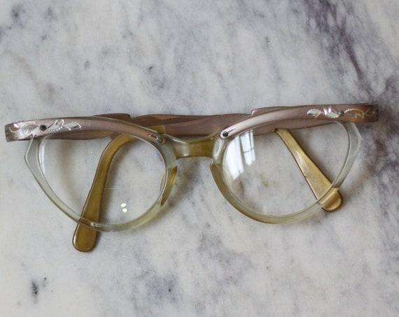 1960s cat eye glasses // 1960s rose pink glasses  // vintage glasses