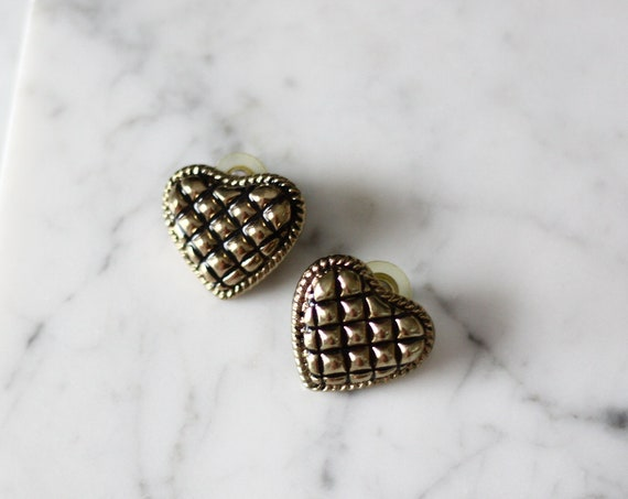 1980s quilt heart earrings // 1980s heart shaped earrings // vintage earrings