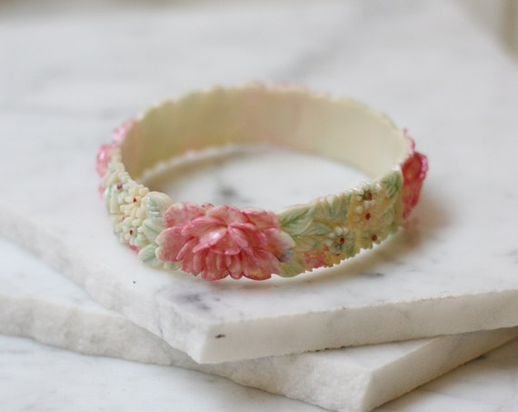 1950s carved floral bangle // 1950s floral bracelet // vintage bracelet
