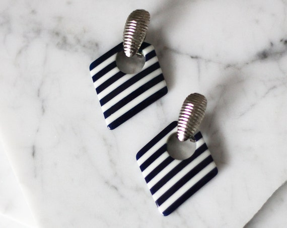 1980s blue stripe earrings // 1980s drop earrings // vintage earrings