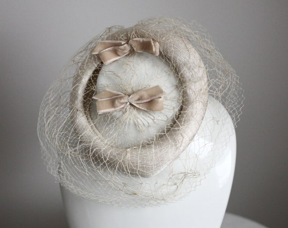 1950s formal hat with veil // 1950s bridal hat // vintage hat