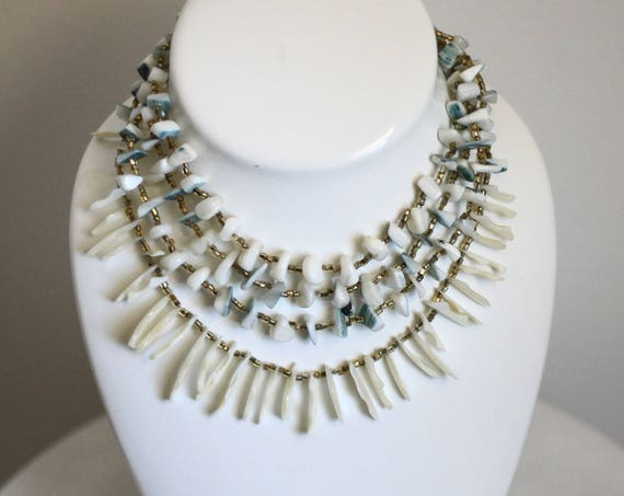 1950s multi strand shell necklace // 1950s necklace // vintage jewlery