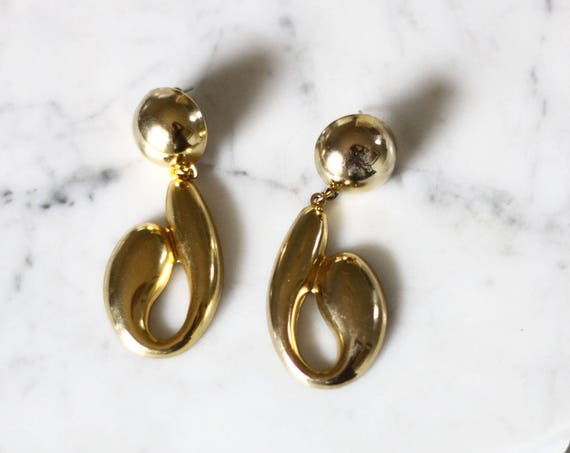 1980s gold question mark earrings // modern earrings // vintage earrings