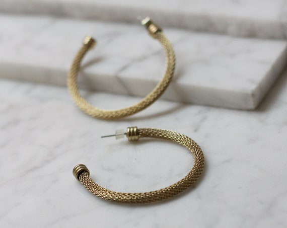 1980s gold mesh hoop earrings // 1980s hoop earrings // vintage earrings
