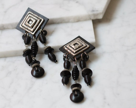 1980s black statement earrings // 1980s large drop earrings // vintage earrings