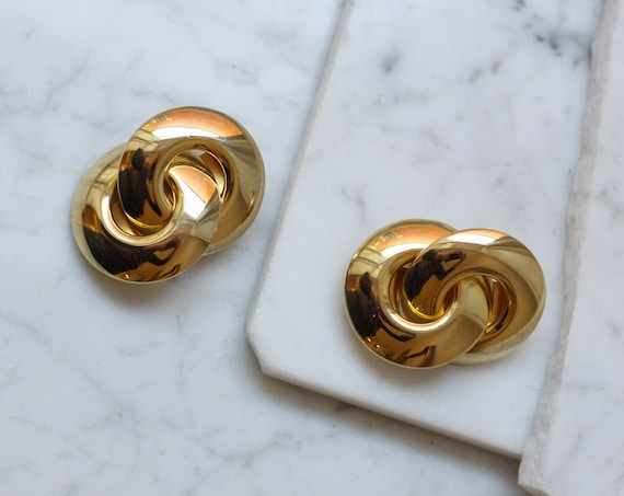 1980s gold link earrings // 1980s gold infinity earrings // vintage earrings