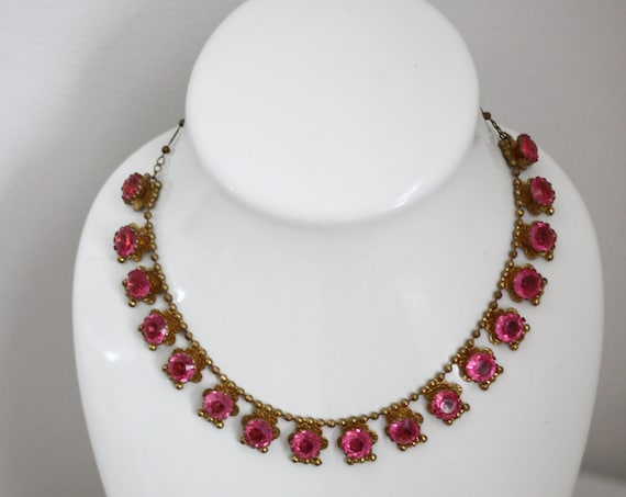 1950s pink glass necklace // 1950s floral necklace // vintage jewlery