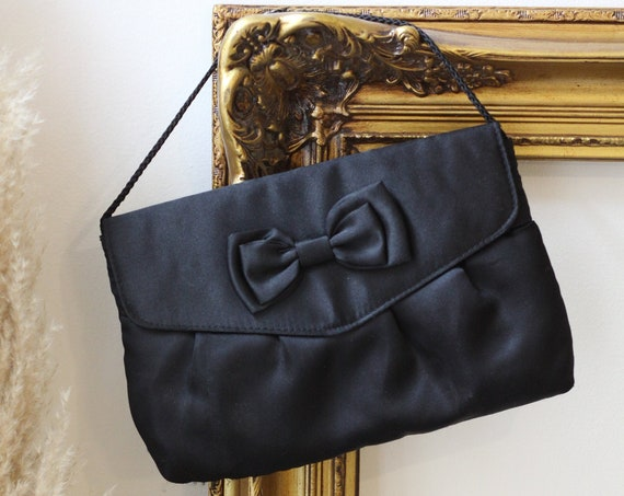 1980s black satin bow clutch // 1980s black satin clutch // vintage purse